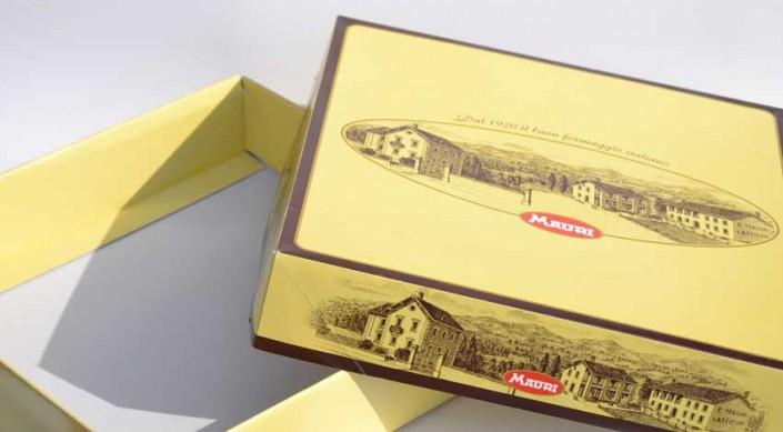 Produzione di scatole per il confezionamento di alimenti